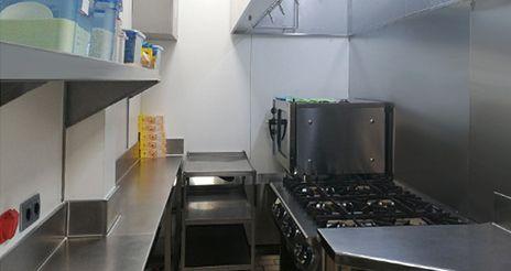 El Hospital de Barcelona estrena una cocina para la elaboración de dietas especiales