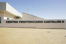 El chef Raúl Resino imparte clases a los reclusos en el centro penitenciario Castellón II