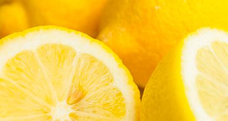 El limón europeo, fuente de vitamina C, ideal para combatir el calor del verano