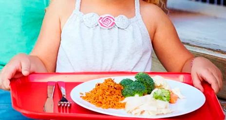 Francia politiza la decisión de Lyon de servir un menú único y sin carne en los colegios